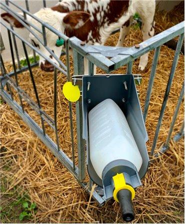 Kit complet suport pentru sistemul de alaptare vitei Milk Bar Vitality, inainte de alaptare