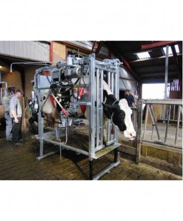 Model KVK 650-SP2 - cu animal in timpul trimajului