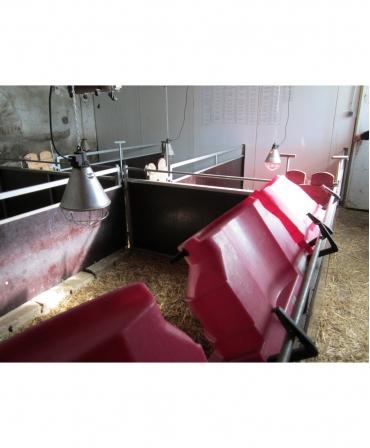 Hranitoare comuna miei si iezi cu 10 tetine, Milk Bar, 36l cu carlige de fixare Ezi Lock, in timp ce se usca