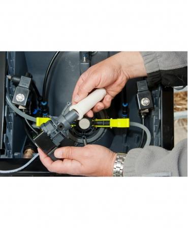 Inlocuire tetina alaptare in automatul de alaptare HygieneStation, automat de alaptare Holm&Laue CalfExpert