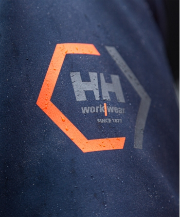 Jacheta cu gluga Helly Hansen Chelsea Evolution Softshell, impermeabila, logo Helly Hansen pe maneca