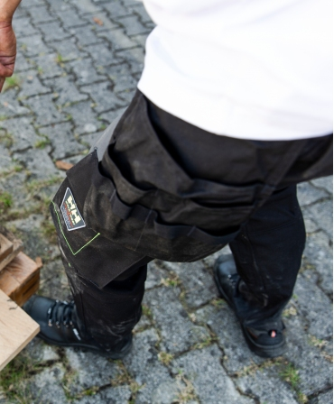 Pantaloni de lucru Helly Hansen Aker Construction, negru/gri inchis, lateral, buzunare