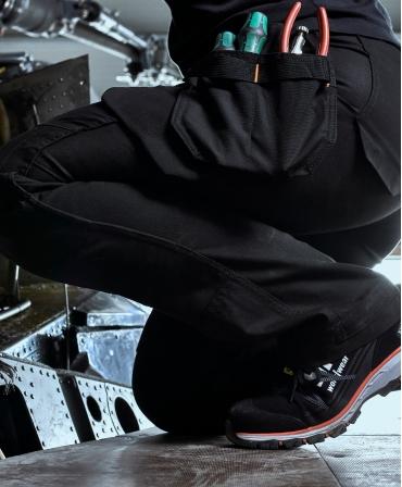 Pantaloni de lucru dama Helly Hansen Luna Construction, negri, detalii genunghi indoiti