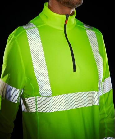Bluza Helly Hansen Lifa Active Half Zip, reflectorizanta, HVC2, 3, galbena, imbracata, din fata
