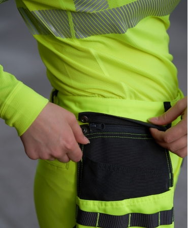 Bluza Helly Hansen Lifa Active Half Zip, reflectorizanta, HVC2, 3, galbena, in pantaloni