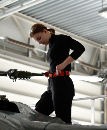 Pantaloni de lucru dama Helly Hansen Luna Service, negri, imbracati, curea rosie