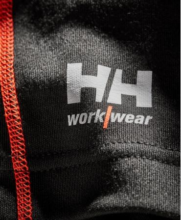 Bluza Helly Hansen Lifa Max Crewneck, detalii material si logo