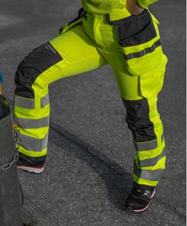 Pantofi protectie dama Helly Hansen Luna Low, S3, negru/portocaliu, cu pantaloni HI VIS