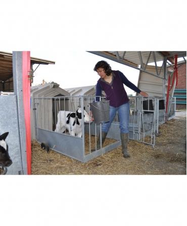 Cuseta individuala vitei Calf-Tel ECO cu gard metalic, invatare alaptare vitel cu poarta deschisa