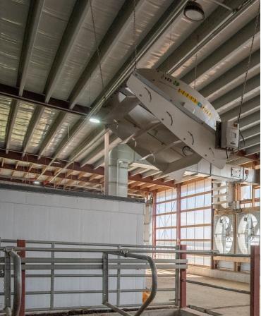 Ventilator VES 140cm, model ECVCS SMC 55 pozitionat in grajd