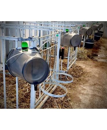 Galeata cu tetina pentru alaptarea viteilor, Milk Bar, 9l, semitransparenta, agatata pentru scurgere dupa spalare