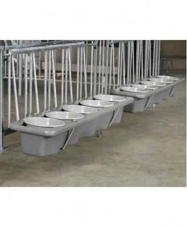 Troaca plastic pentru furaje sau galeti pentru boxele comune vitei CalfOTel XL-5 si XL-10, utilizare