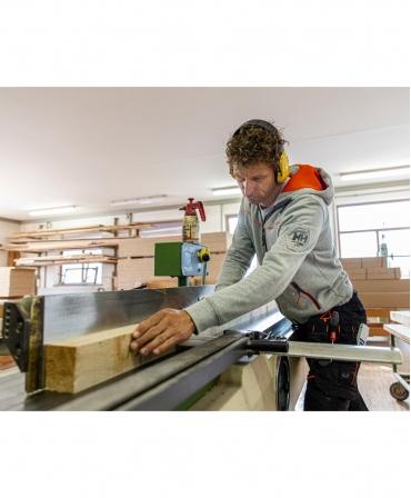 Hanorac cu gluga Helly Hansen Chelsea Evolution, lucrand cu lemn