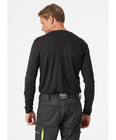Bluza Helly Hansen Lifa Active Crewneck, neagra, imbracata, spate