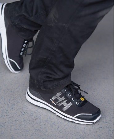 Pantofi protectie dama Helly Hansen Luna Soft Toe, O1, negru/portocaliu, incaltati, din profil